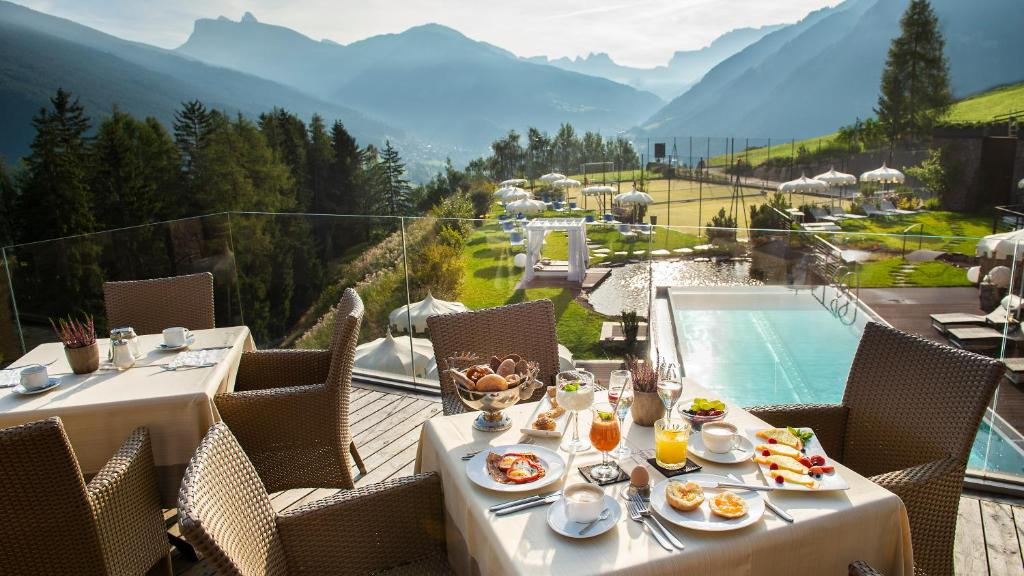 Hotel Albion Mountain Spa Resort Dolomites Ortisei Updated 2020 Prices