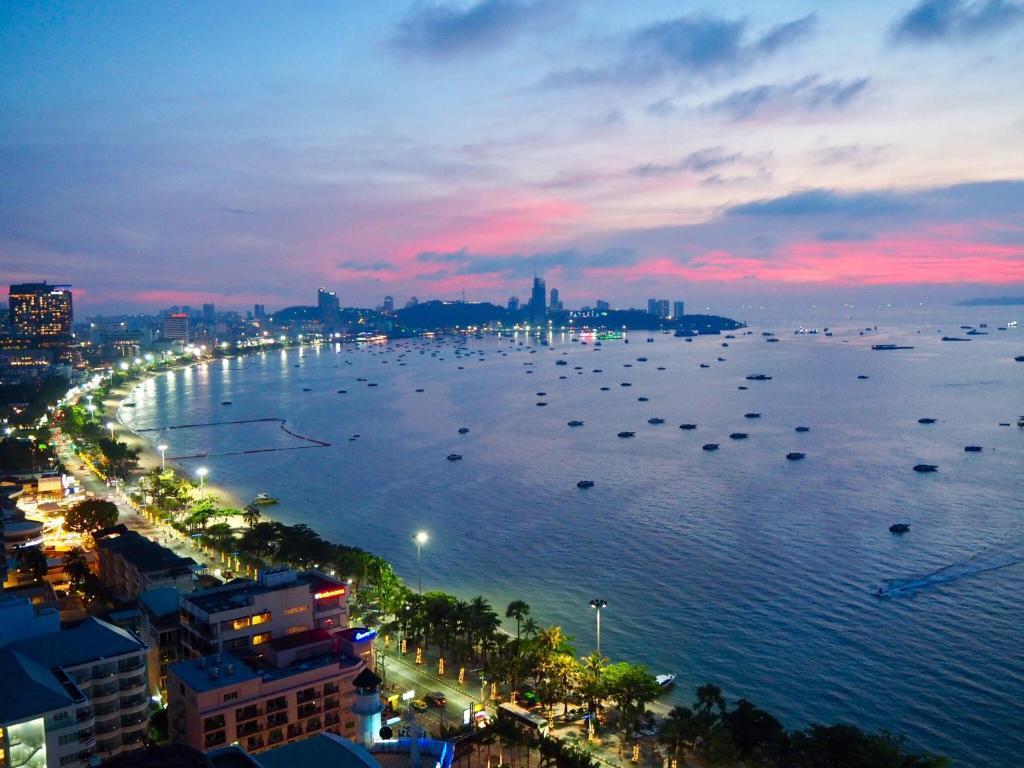 них действует город паттайя таиланд фото могли подсказать где