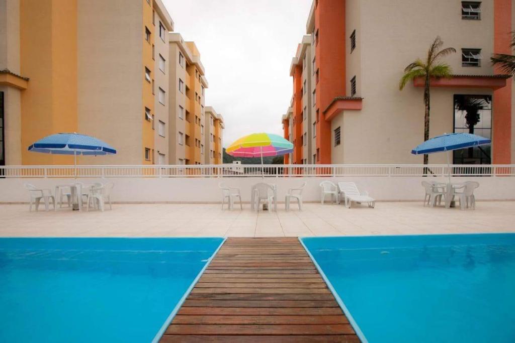 Sun Way Apartamento com piscina e churrasqueira.