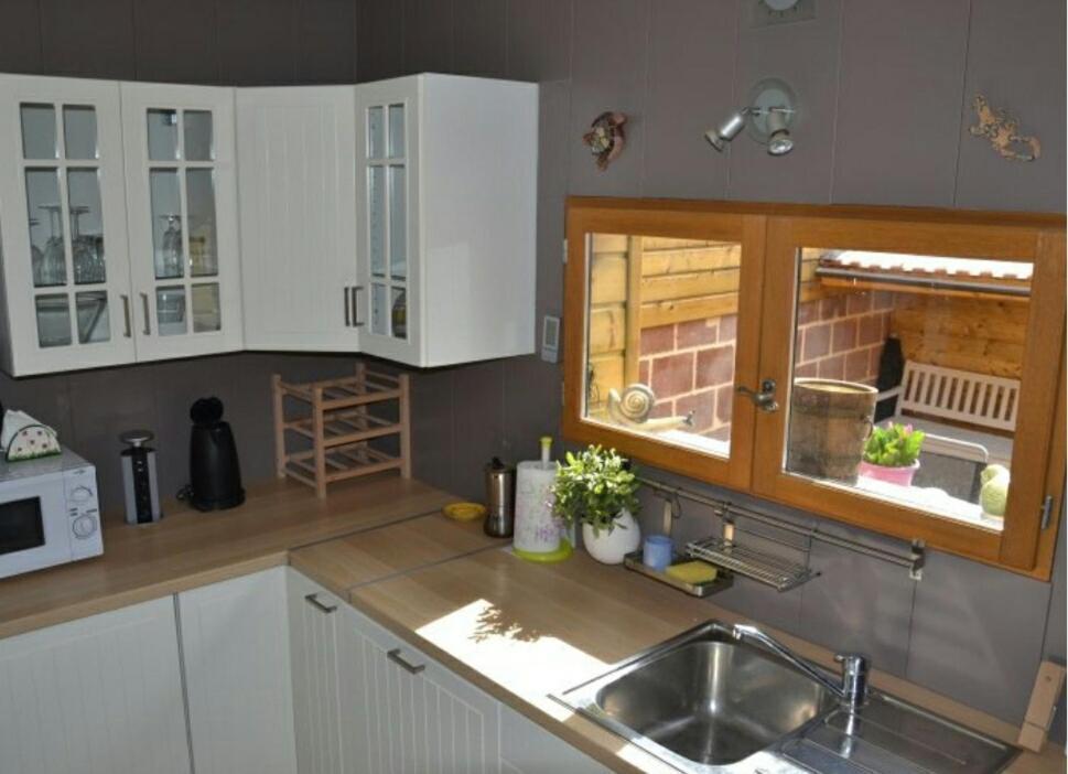 A kitchen or kitchenette at la picardine