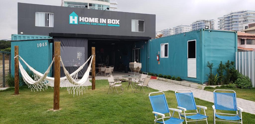 Home in Box Hostel