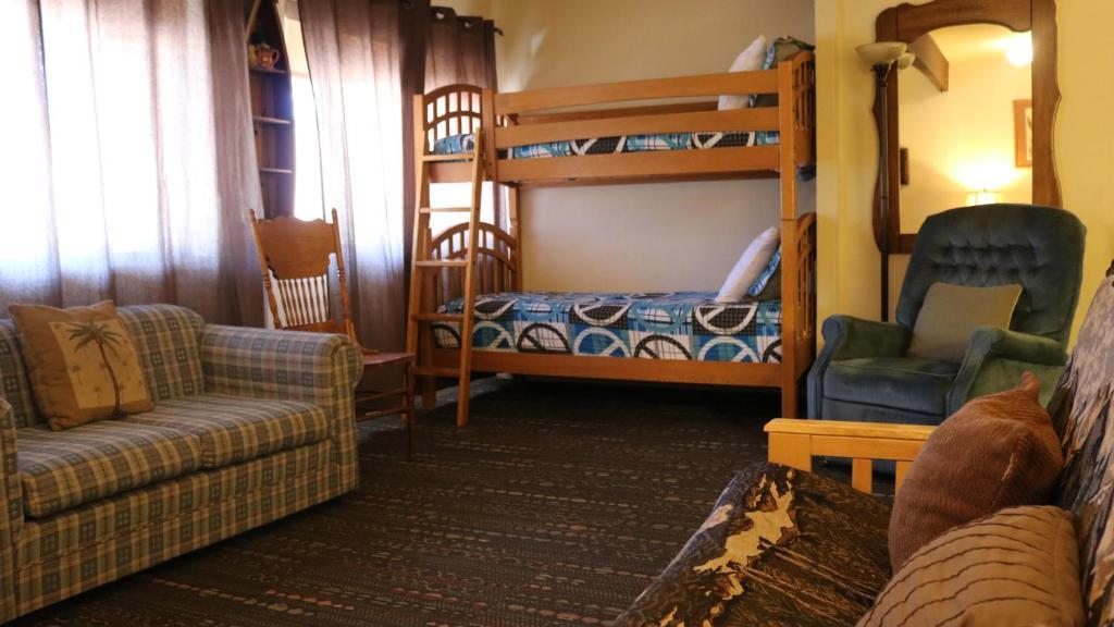 Picture of: Big Bear Village Lodge Big Bear Lake Usa Booking Com