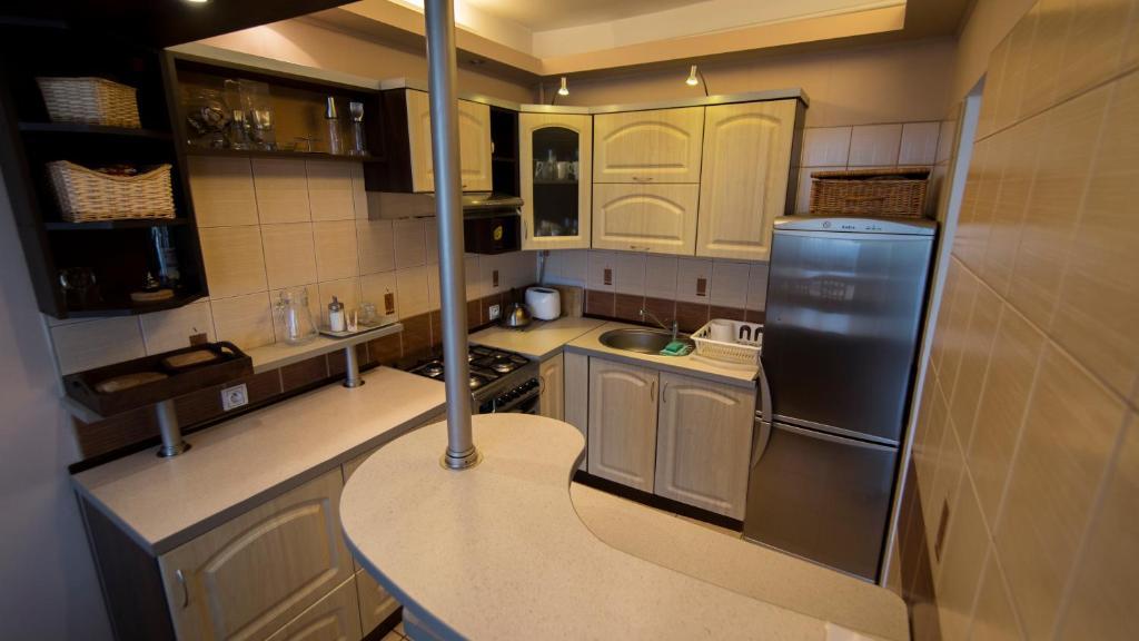 Kuchnia lub aneks kuchenny w obiekcie Mieszkanie Na 10 Piętrze
