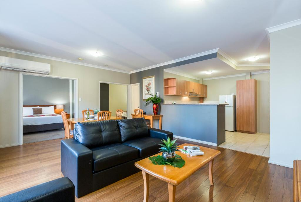 Mont Clare Boutique Apartments - Laterooms