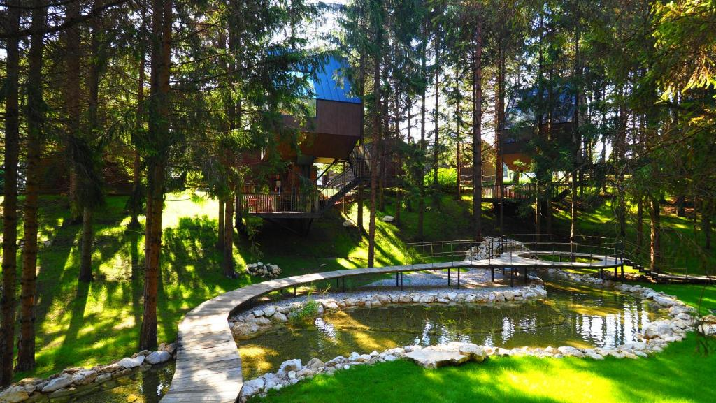 Bazén v ubytování Plitvice Holiday Resort nebo v jeho okolí