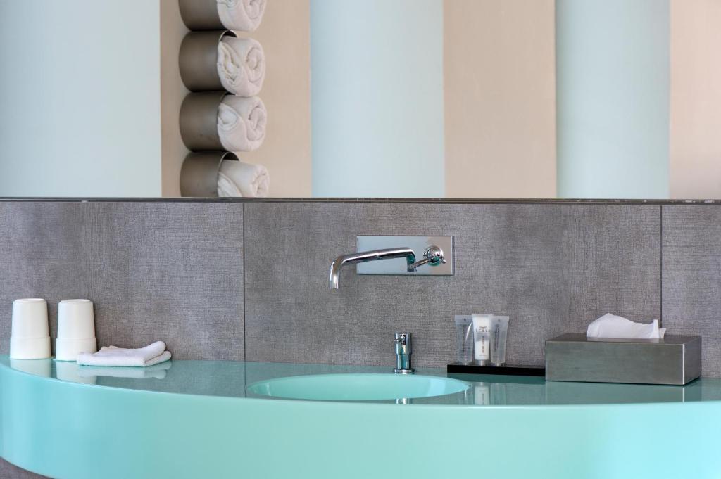 A bathroom at Scala Turm Hotel Restaurant