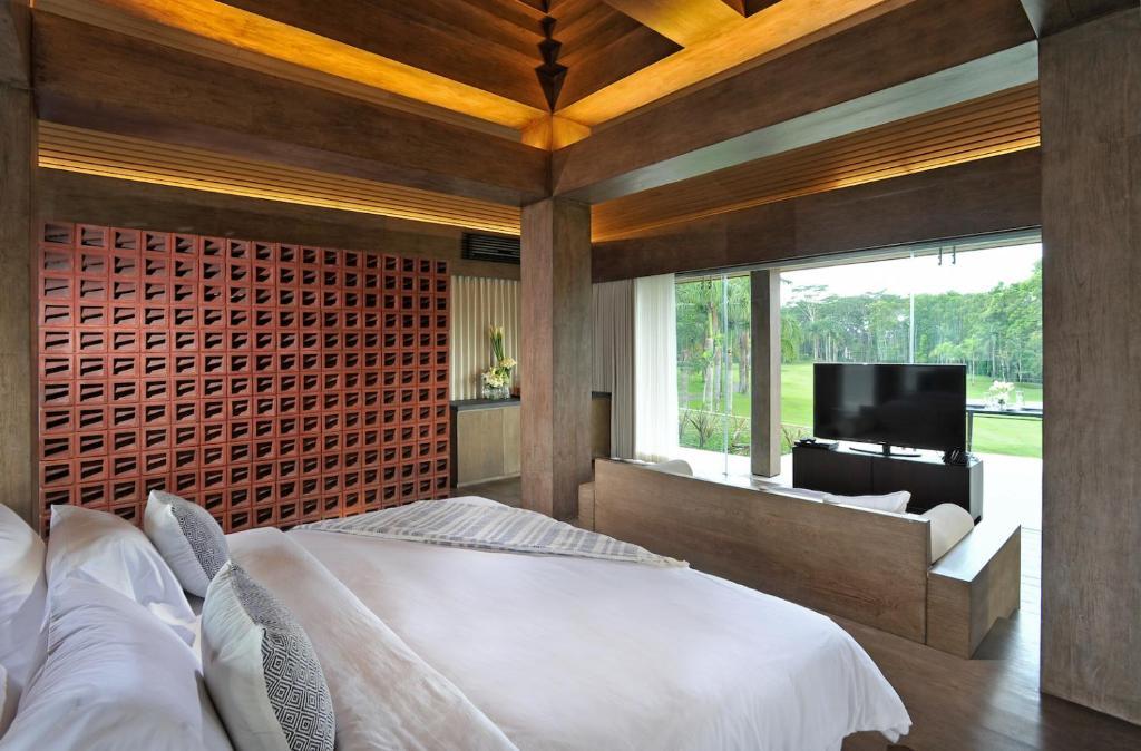 Djoglo Luxury Bungalow Malang Booking Com