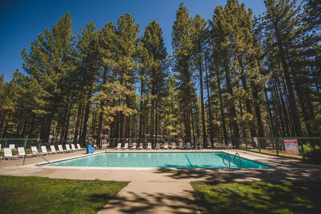 Tahoe Valley Cabin 3