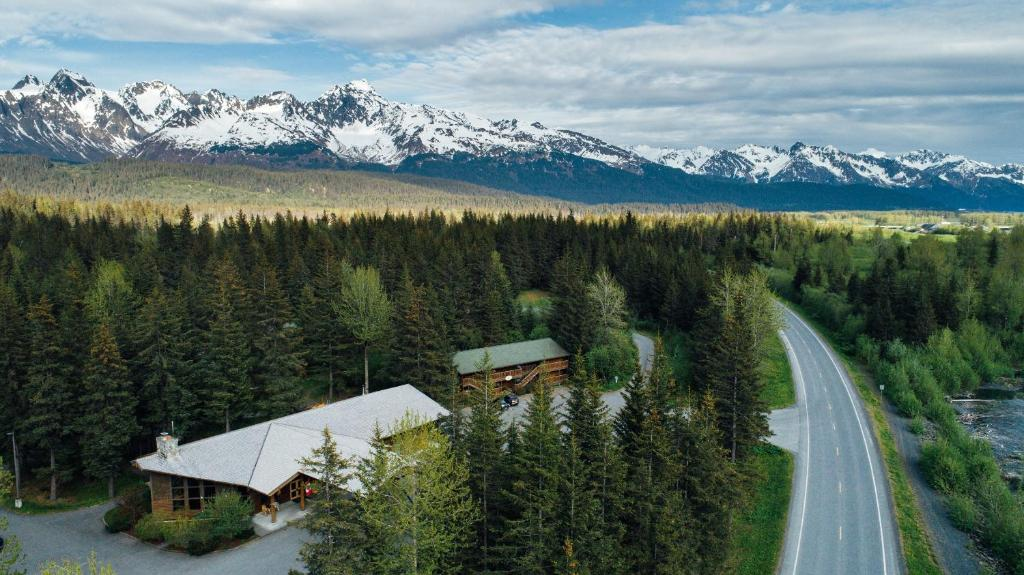 A bird's-eye view of Seward Windsong Lodge