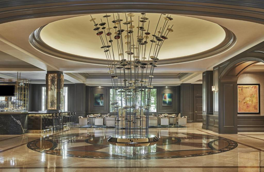 A restaurant or other place to eat at Four Seasons Hotel Las Vegas