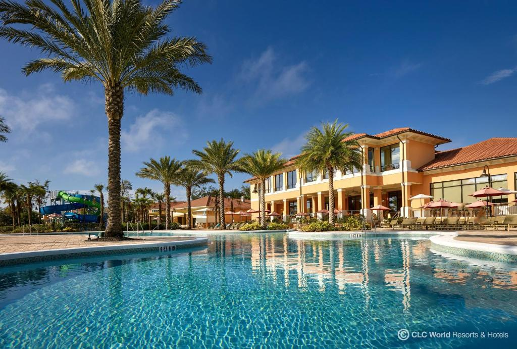 A piscina localizada em CLC Regal Oaks Resort Vacation Townhomes ou nos arredores