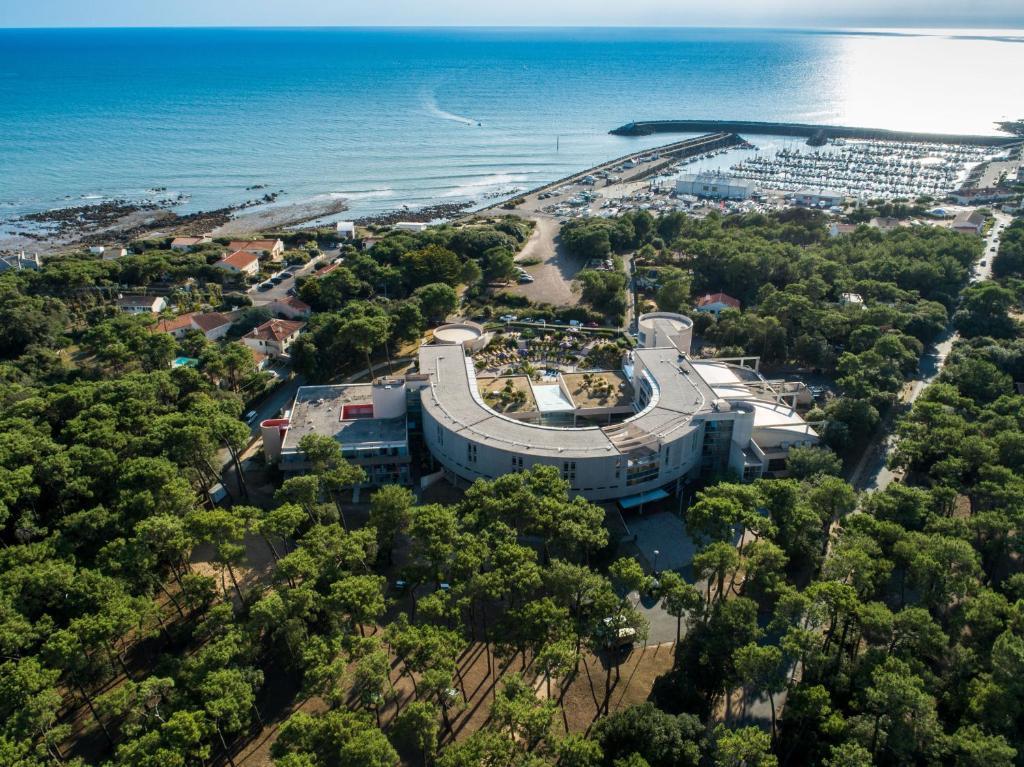 Vue panoramique sur l'établissement Club Vacances Bleues Les Jardins De l'Atlantique