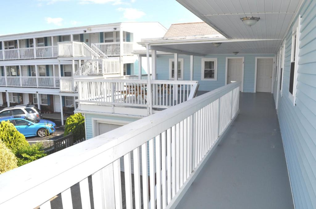 A balcony or terrace at South Wind Apartments