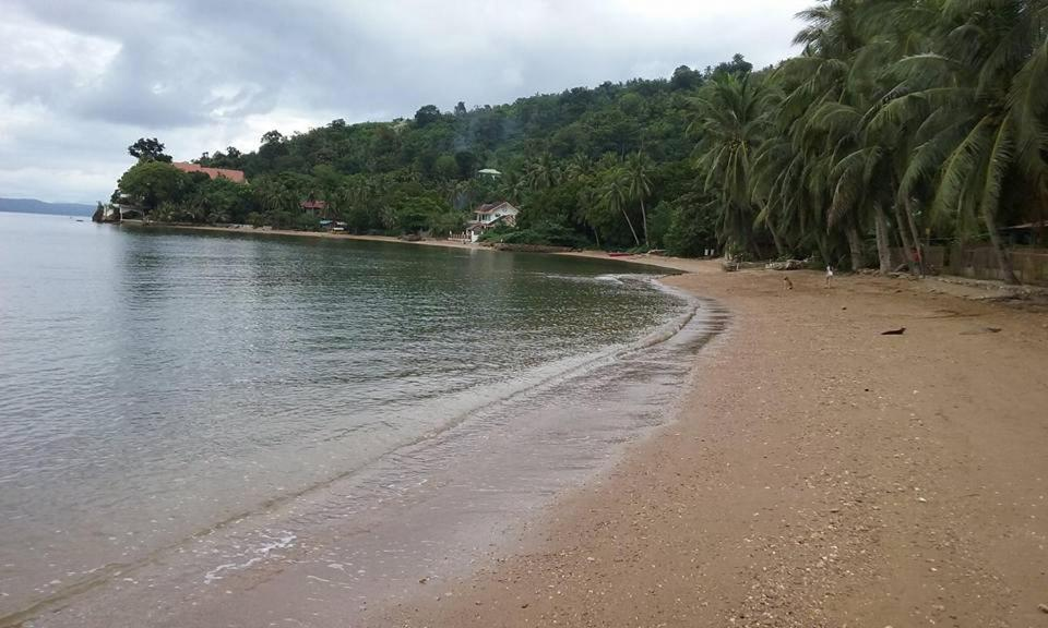 A beach at or near the guesthouse