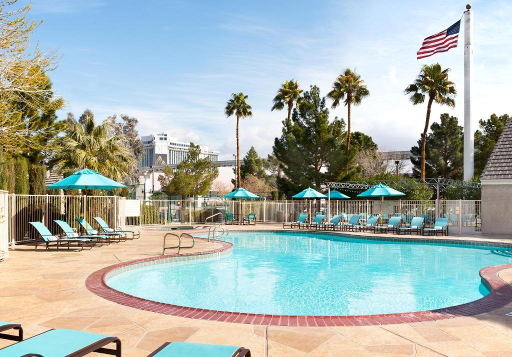 The swimming pool at or close to Residence Inn by Marriott Las Vegas Convention Center