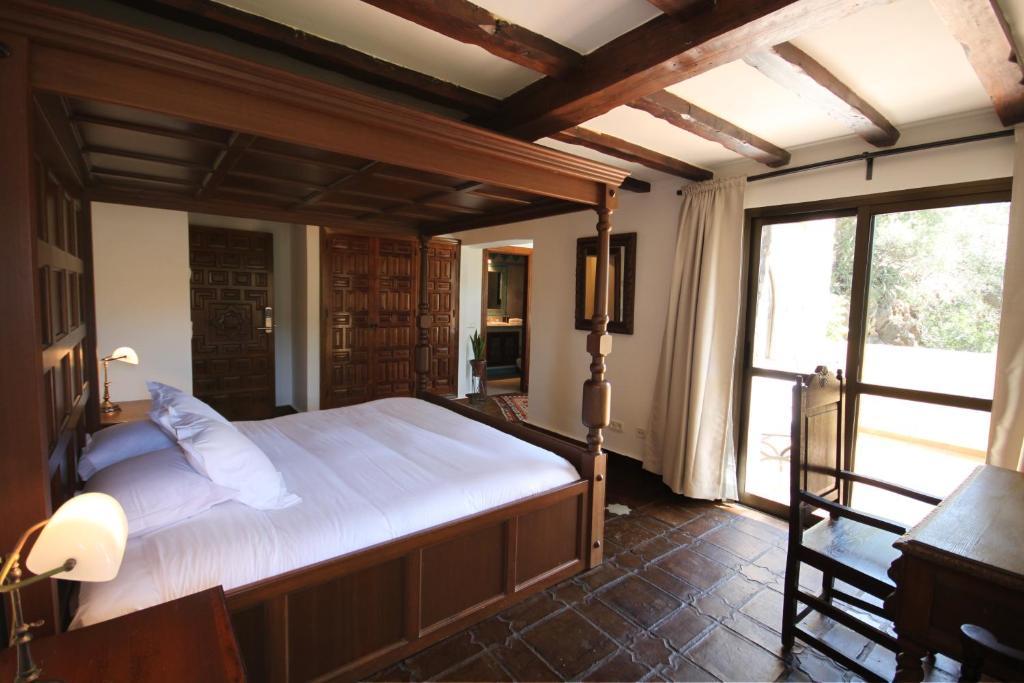 Hotel Castillo de Monda 8