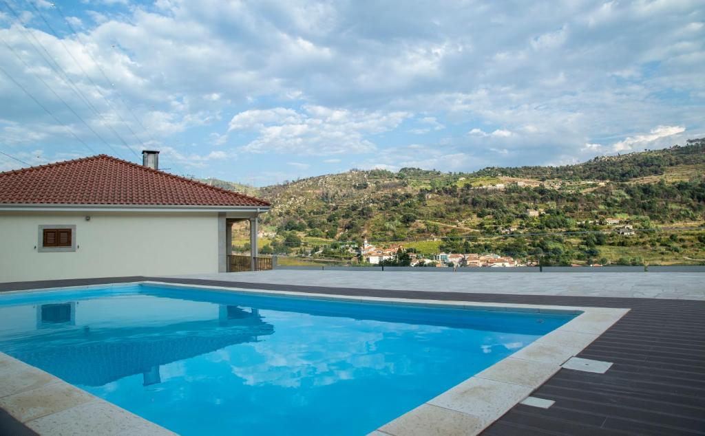 A piscina em ou perto de M&A Douro Valley House