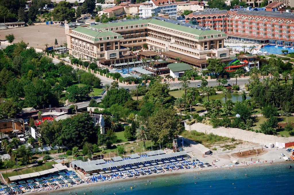 A bird's-eye view of Crystal De Luxe Resort & Spa