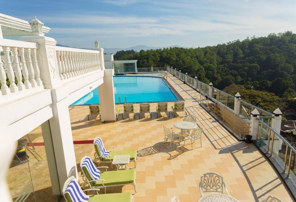 منظر المسبح في ذا جراند كانديان او بالجوار