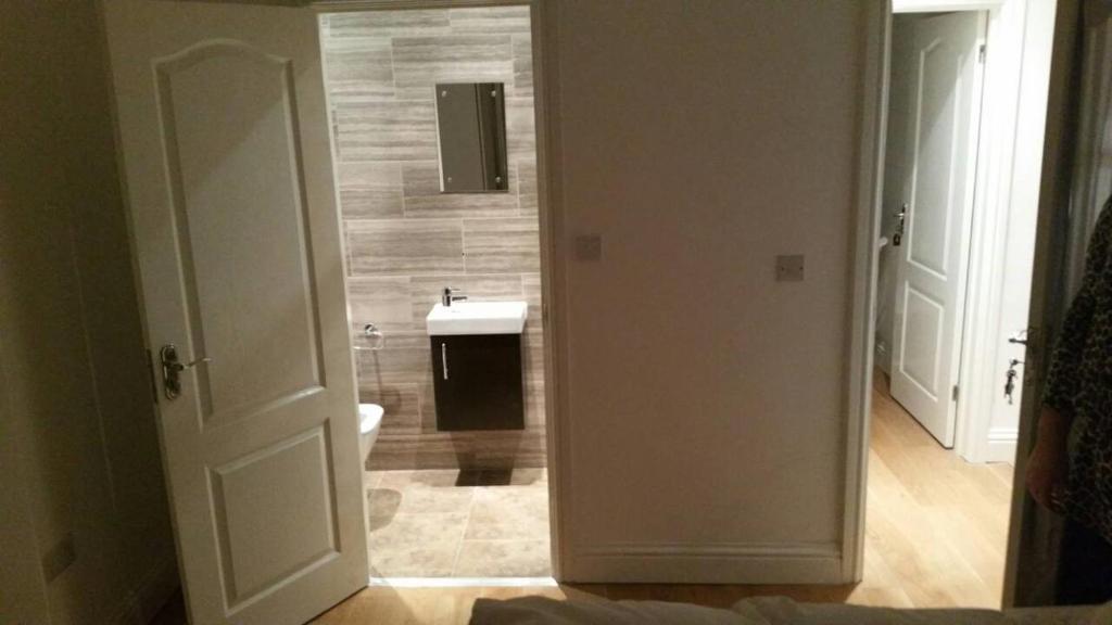 A bathroom at 21 Park Road