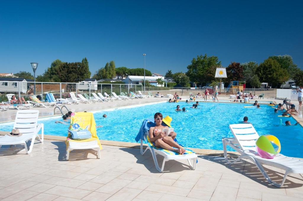 The swimming pool at or near Azureva Fouras