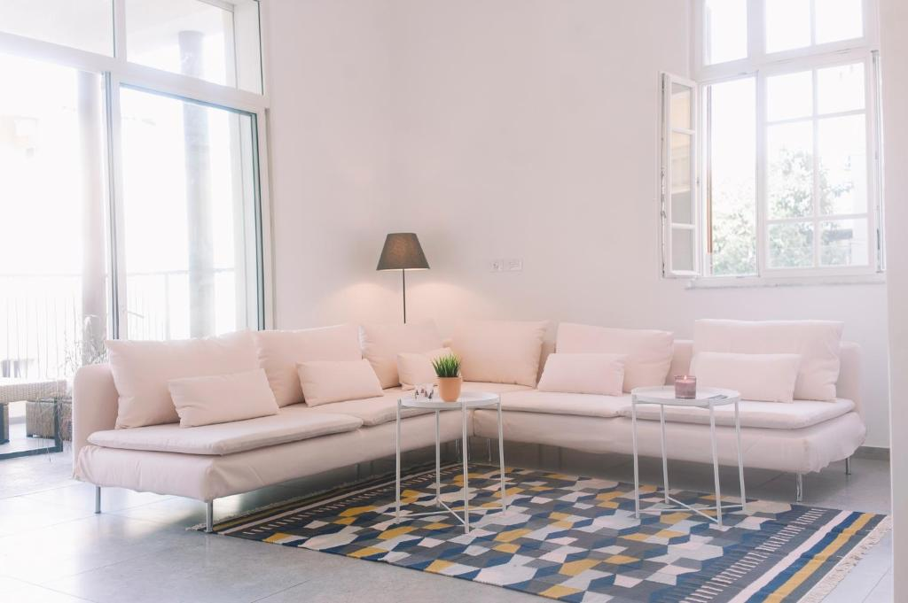 Picture of: Luxury 2br Bauhaus On The Beach Tel Aviv Opdaterede Priser For 2020
