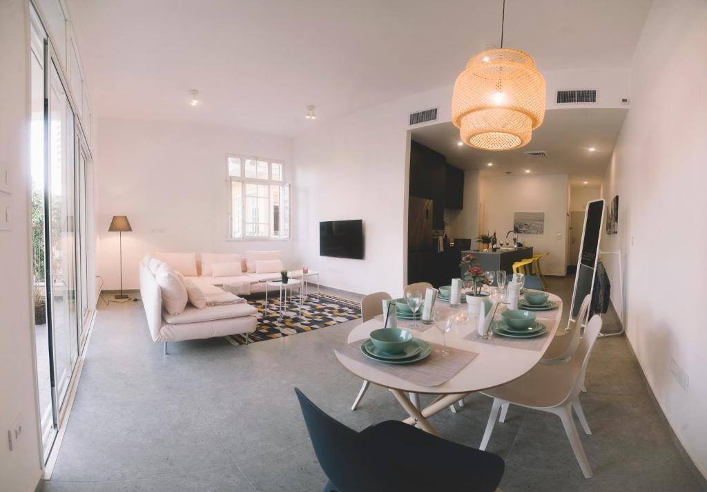 Luxury 2br Bauhaus On The Beach Tel Aviv Opdaterede Priser For 2020