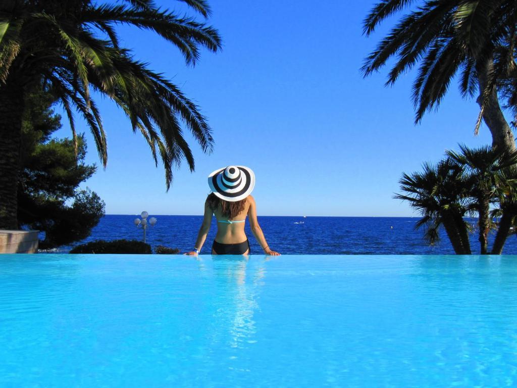 The swimming pool at or close to La Villa Mauresque