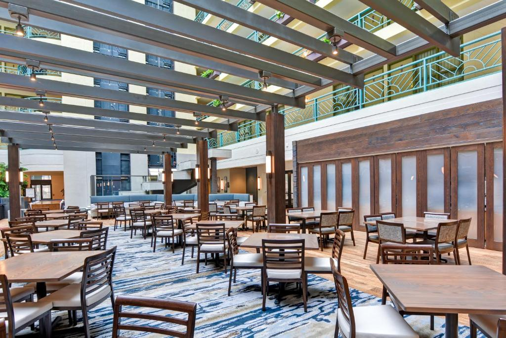 A restaurant or other place to eat at Embassy Suites Minneapolis - Airport