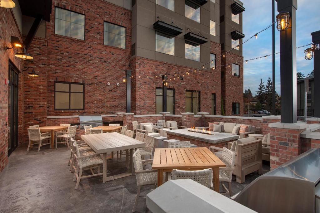 A restaurant or other place to eat at Residence Inn By Marriott Bend
