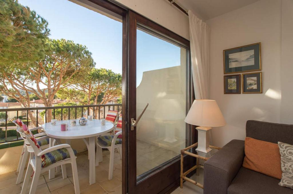 Calella de Palafrugell Apartment Sleeps 4 Pool 10