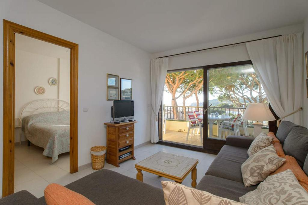 Calella de Palafrugell Apartment Sleeps 4 Pool 12