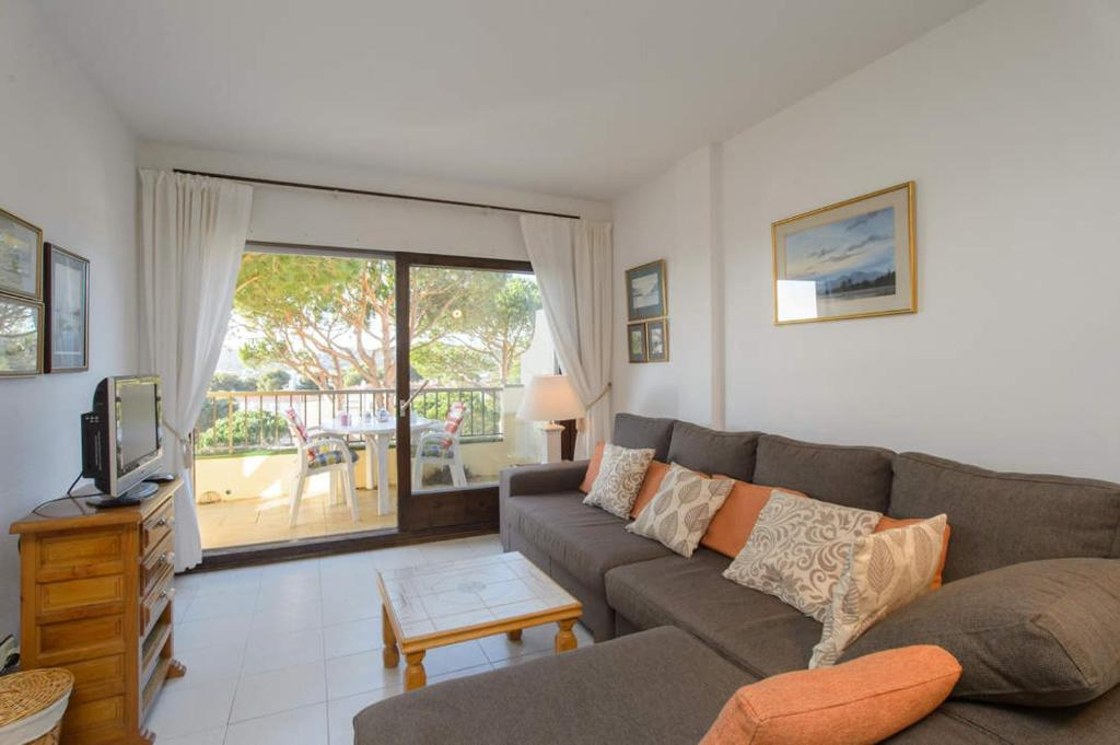 Calella de Palafrugell Apartment Sleeps 4 Pool 14