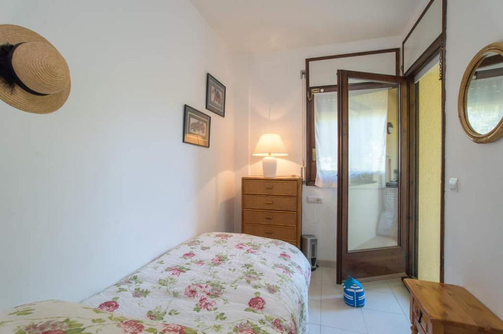 Calella de Palafrugell Apartment Sleeps 4 Pool 21