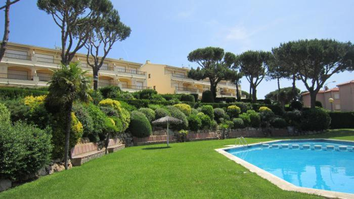 Calella de Palafrugell Apartment Sleeps 4 Pool 1
