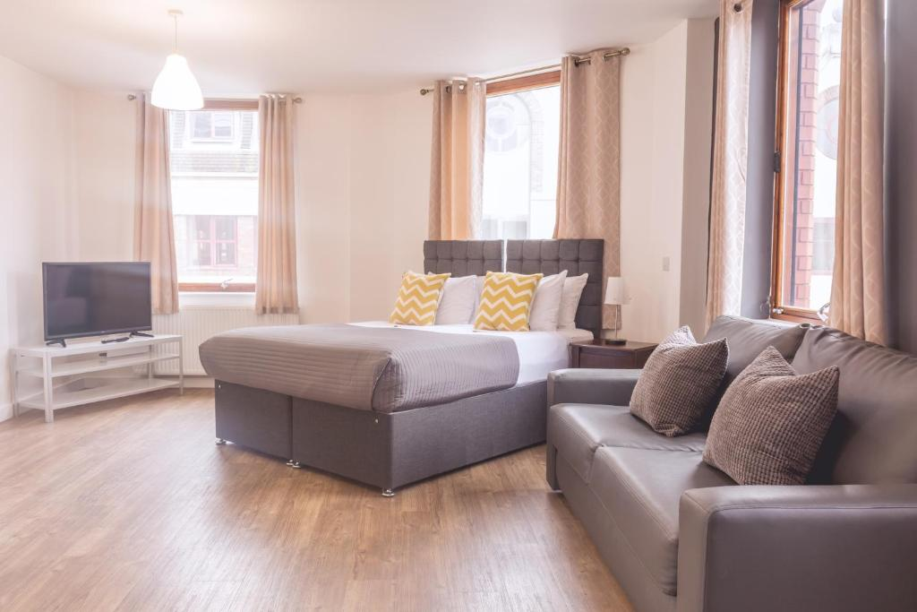 A seating area at Dream Apartments Liverpool