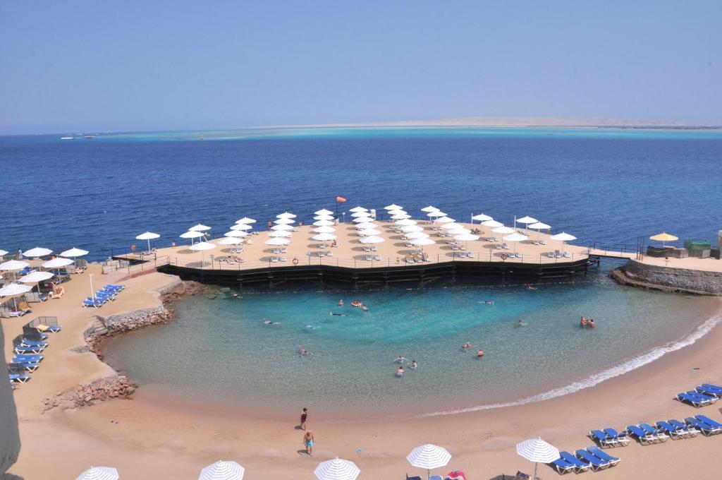 Een luchtfoto van Sunrise Holidays Resort -Adults Only