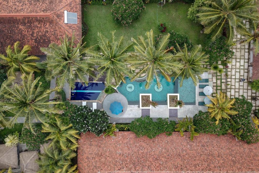 A view of the pool at Segara Anak Hotel or nearby