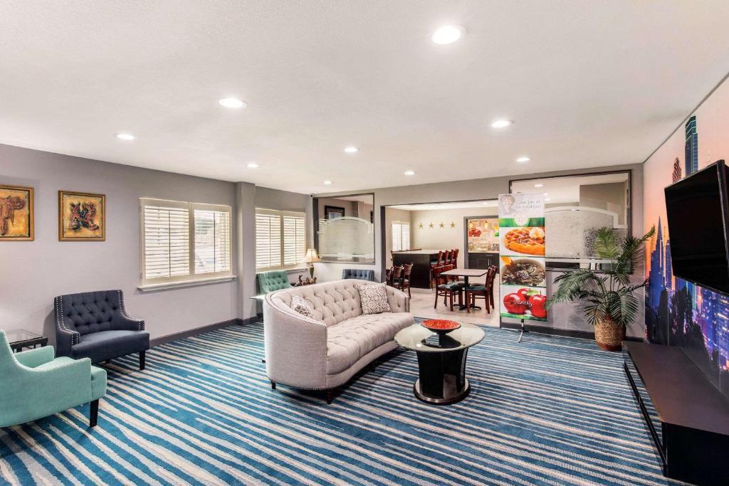 Quality Inn & Suites Plano