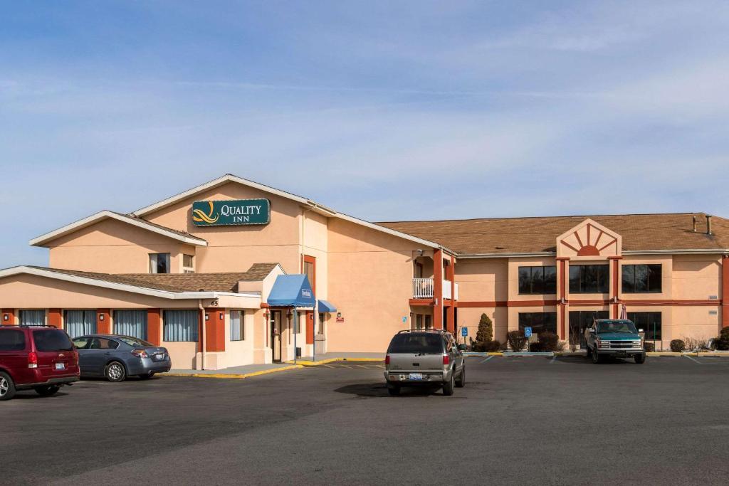 Quality Inn Grand Rapids, MI - Booking.com