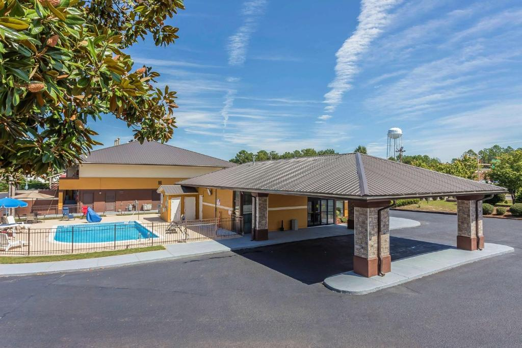 Hotels In Pinebluff