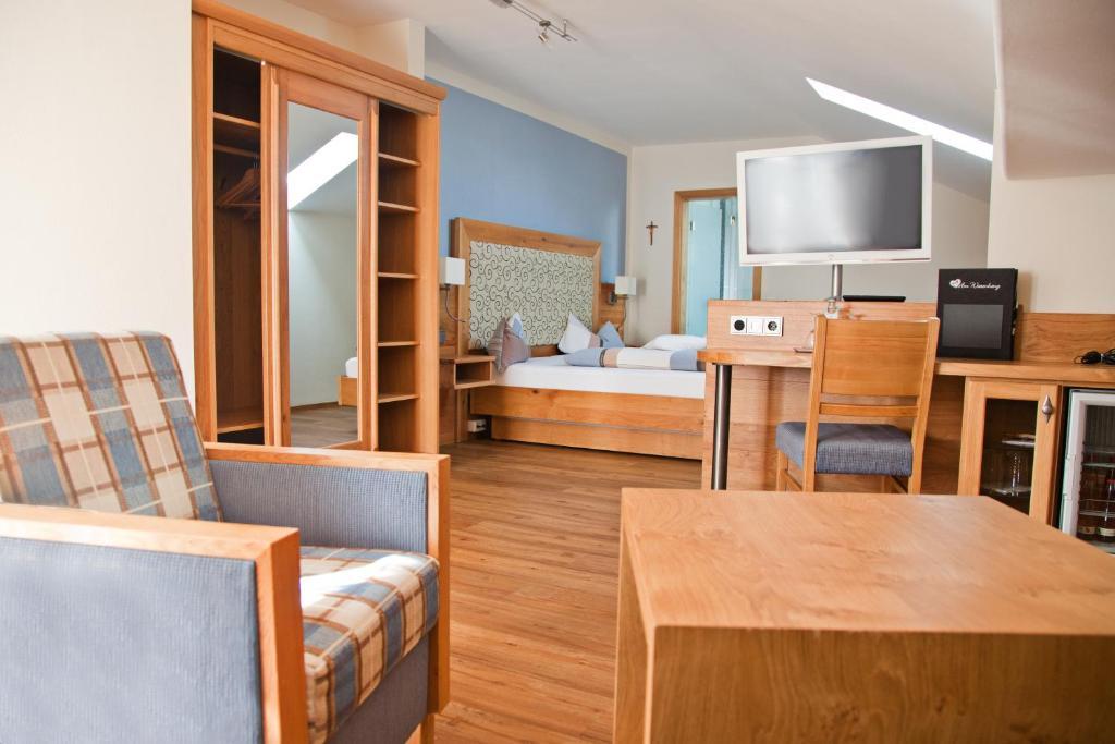 Hotel Am Wiesenhang Garni 3 Sterne Superior Bad Kohlgrub Harga Terbaru 2021