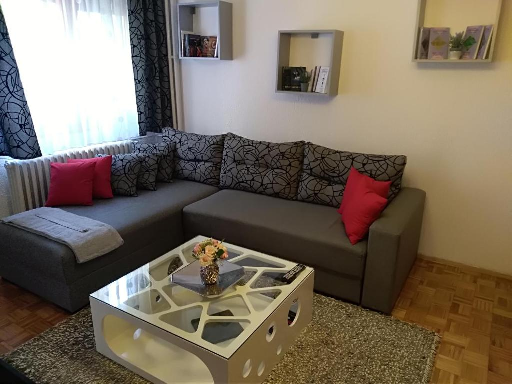 Bed And Breakfasts In Dedinje