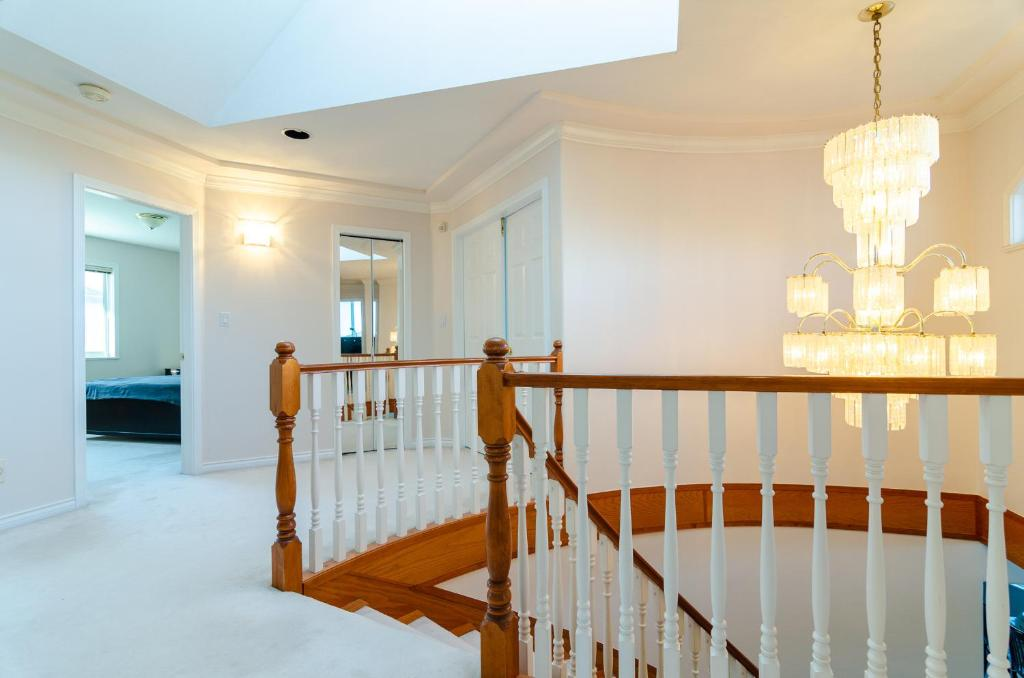 3 Private, spacious, bright rooms in a Gorgeous house