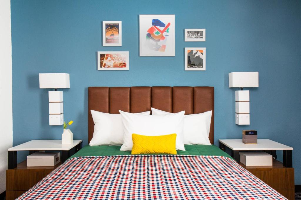 Uptown Suites Extended Stay Austin TX- Round Rock