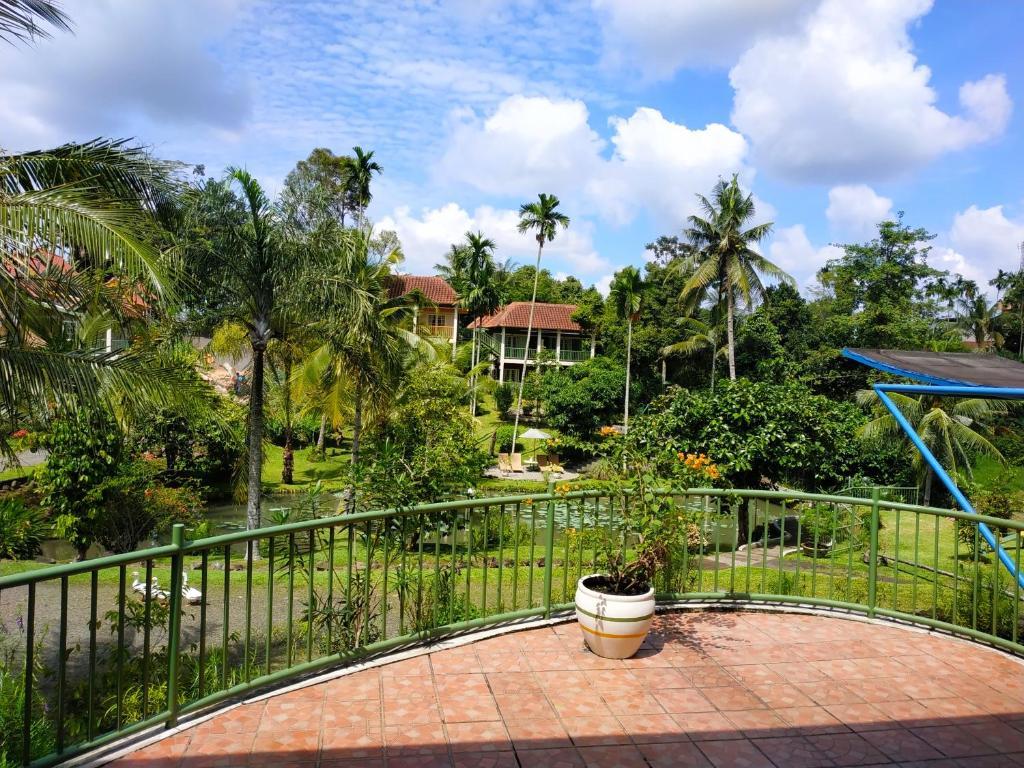 A balcony or terrace at Hotel Deli River and Restaurant Omlandia
