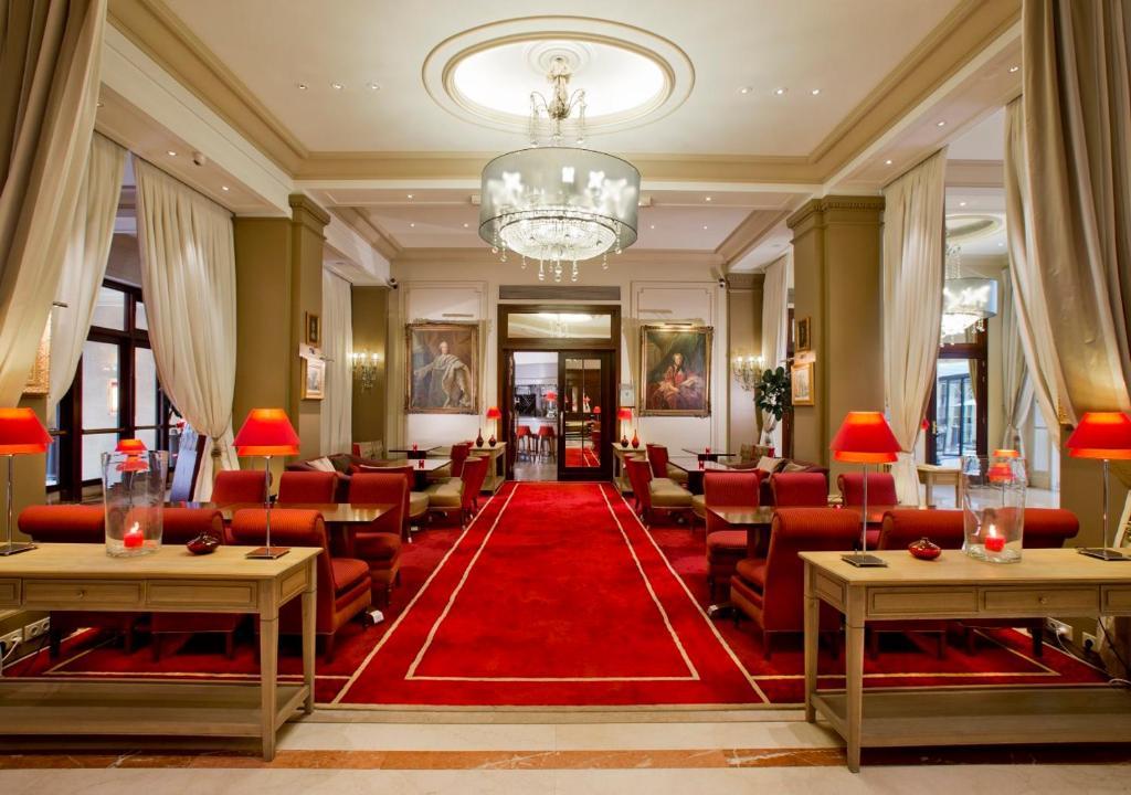 Restaurant ou autre lieu de restauration dans l'établissement Hôtel California Champs Elysées