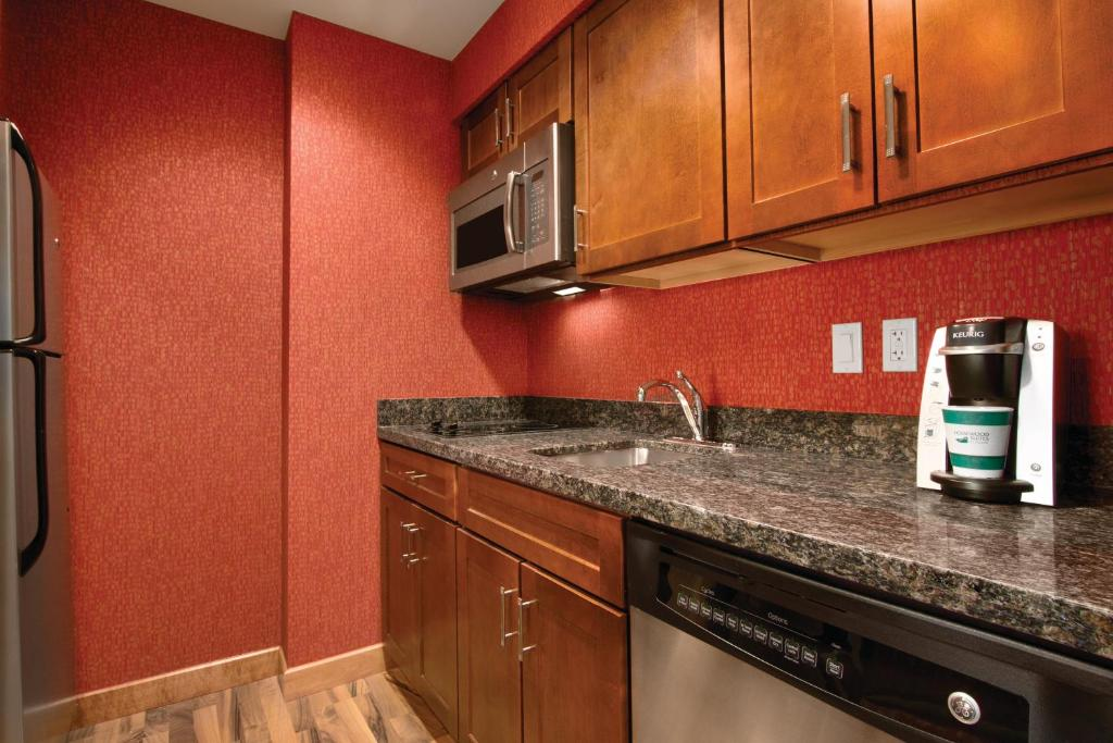 A kitchen or kitchenette at Homewood Suites by Hilton Oklahoma City-Bricktown