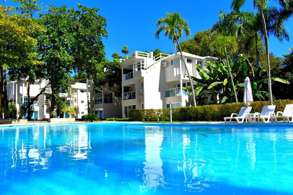 The swimming pool at or near Tropical Casa Laguna