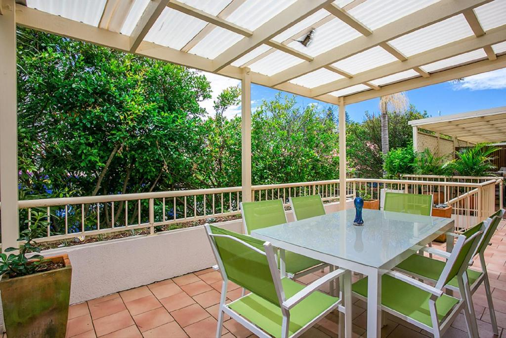 A balcony or terrace at Fiesta Palms 6 - Central Byron Bay